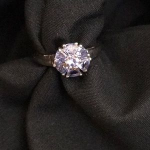 BEAUTIFUL STERLING RING WITH TANZANITE